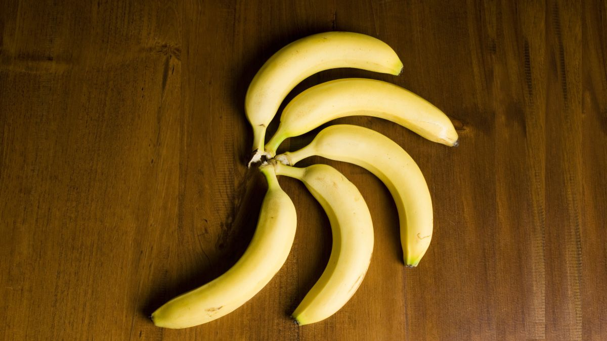 The Best Way To Keep Bananas From Turning Brown