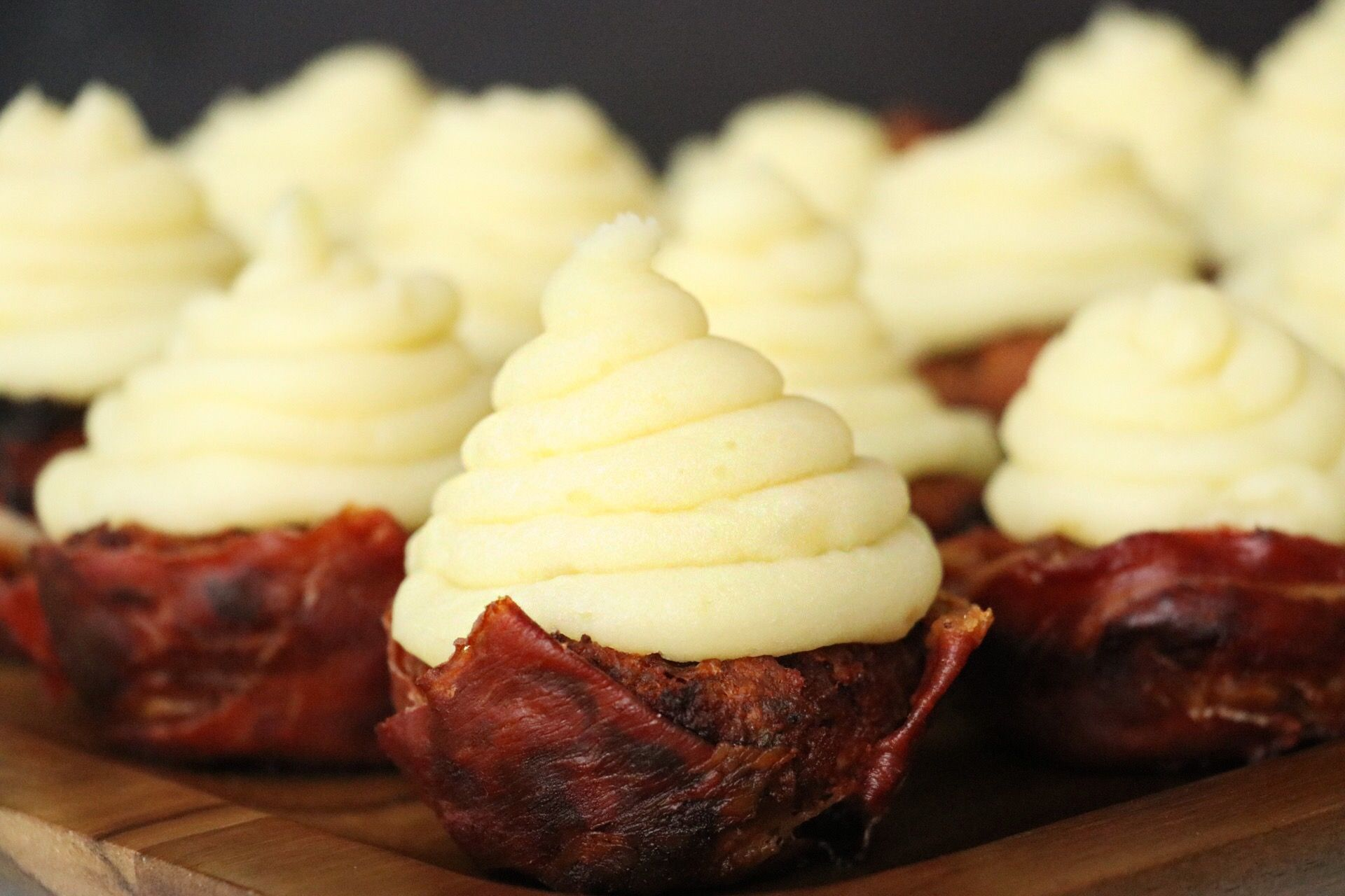 Prosciutto Wrapped Turkey Meatloaf Cupcakes - Forkly
