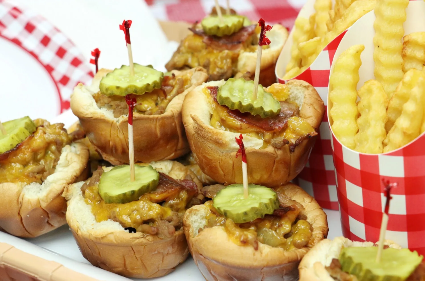 Muffin Tin Cheeseburger Cups - Forkly