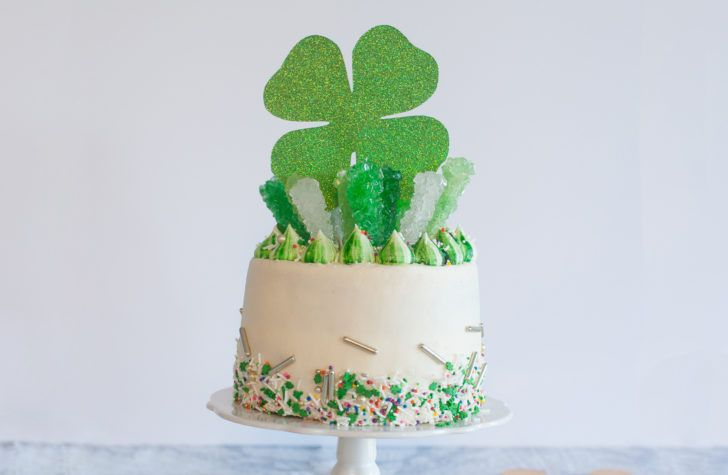 St. Patrick's Day Money Cake - Forkly