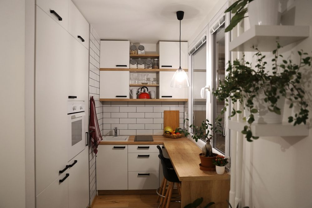 Living With A Small Kitchen: Tips For Staying Organized
