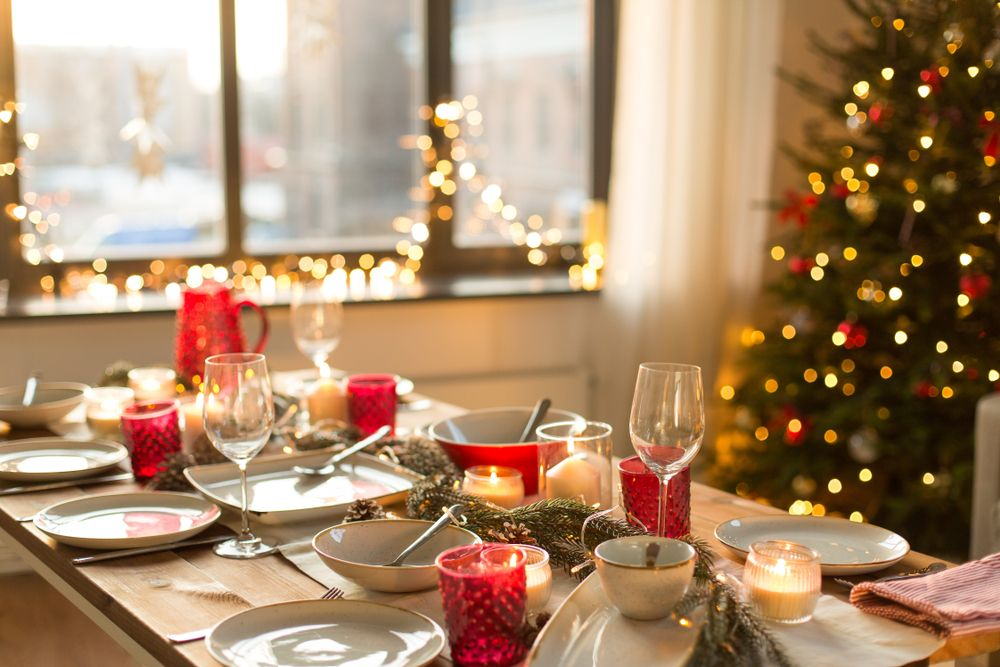 Food To Decor: Everything You need To Host A Dazzling Christmas Dinner - Forkly