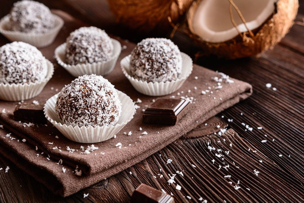 No Fuss, No-Bake Christmas Cookies - Forkly