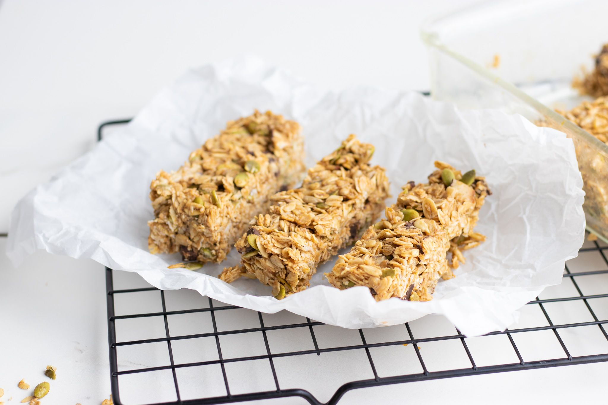 Easy Nut-Free No-Bake Chocolate Chip Granola Bars - Forkly