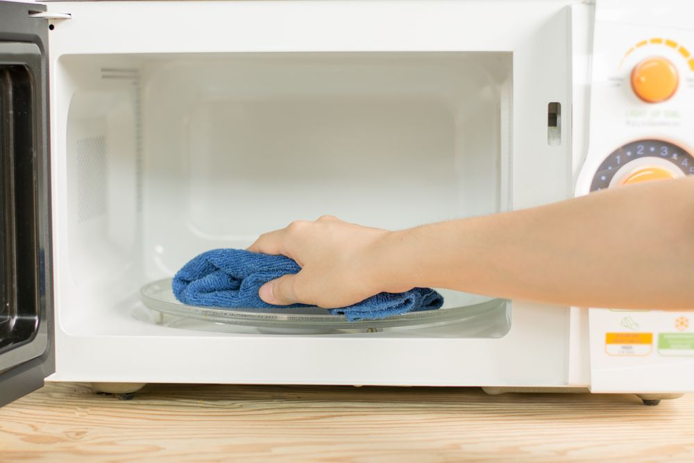 The Easiest Way To Clean A Microwave - Forkly